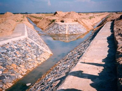 Chapter 1 - A1 06 Drain confluence - Adrian Laycock Image ...